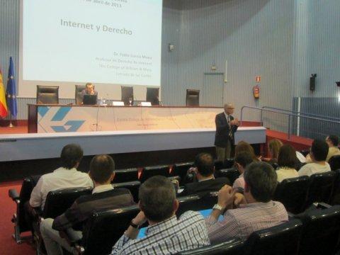 Conferencia de Pablo García Mexía
